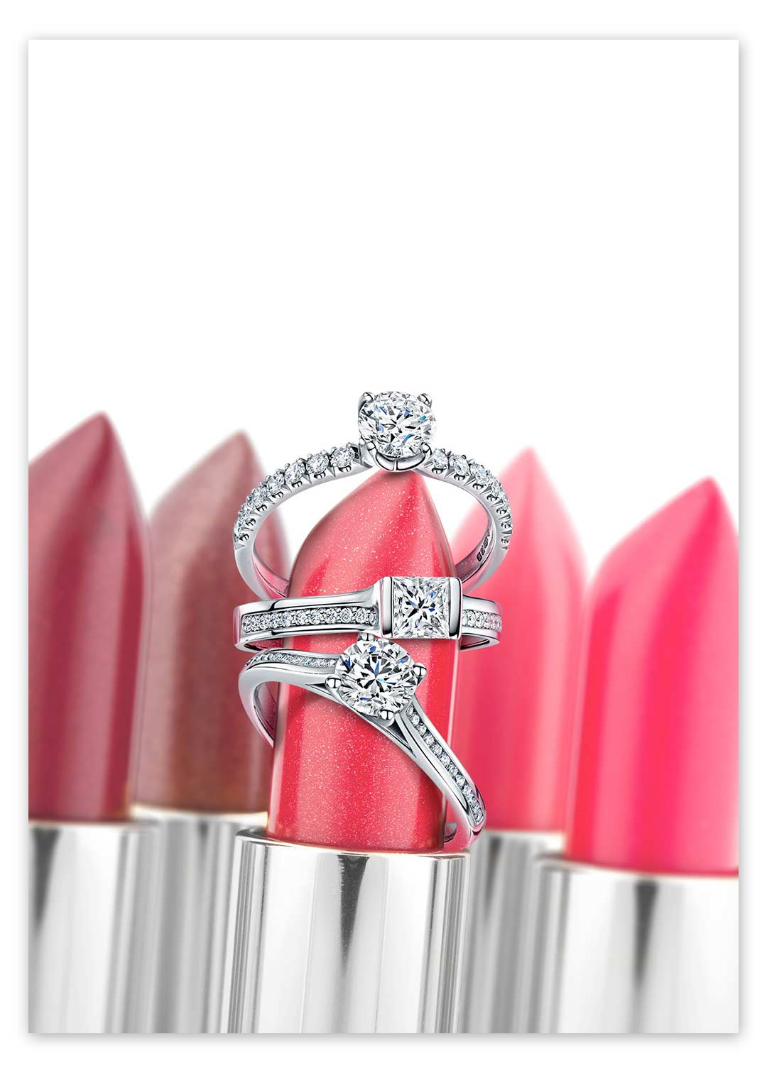 Retouch jewellery and photoshop the rings to lipstick